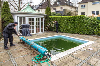 Poolpflege-nach-dem-winter